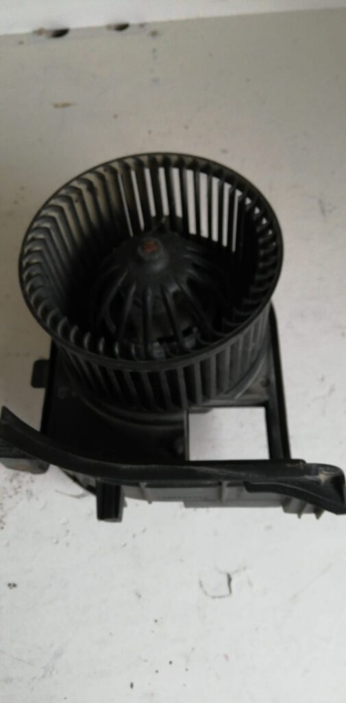 Ventilator habitaclu Dacia Solenza  (M00236)