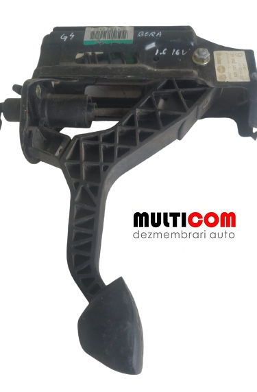 Pompa ambreiaj cu pedala VW Golf 4 1.6 16 V cod 1J1721059AE